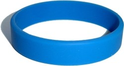 middle blue wristband